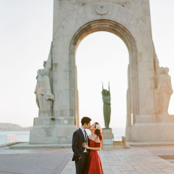 Elegant and chic destination engagement in South of France
