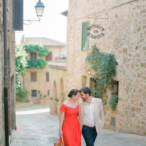 Sunset Engagement session in Tuscany