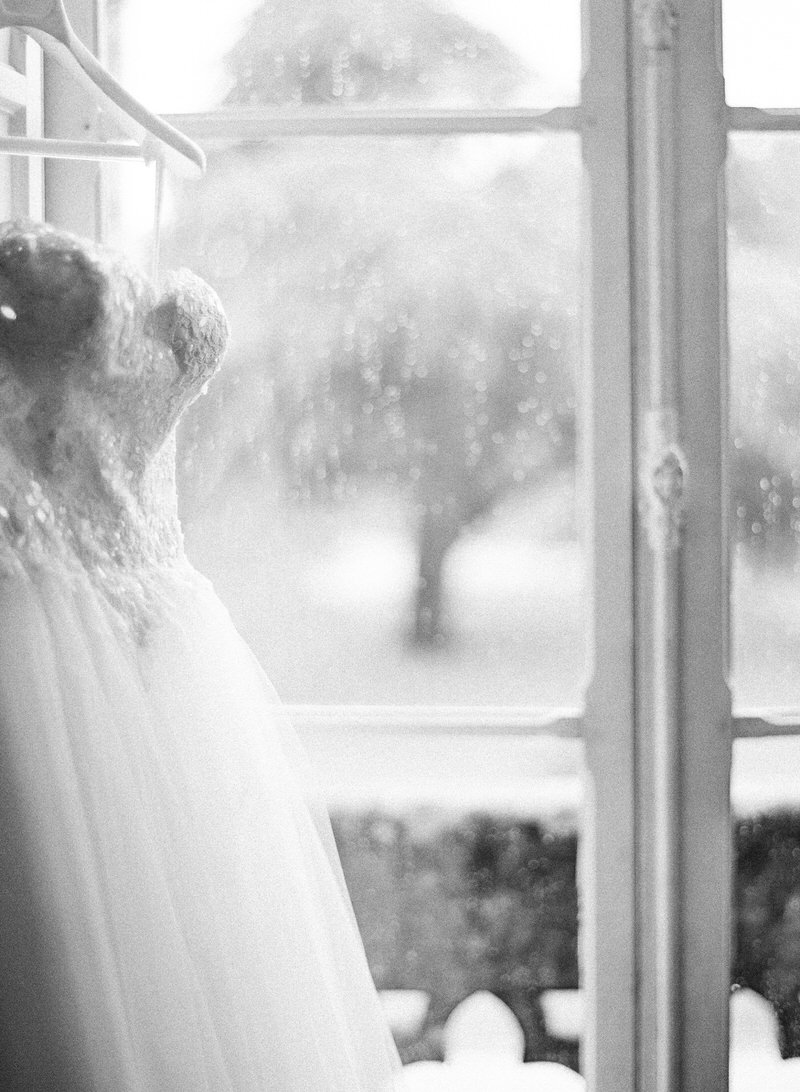 Rainy wedding morning