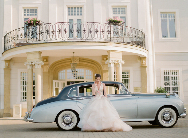 Bride and Rolls Royce
