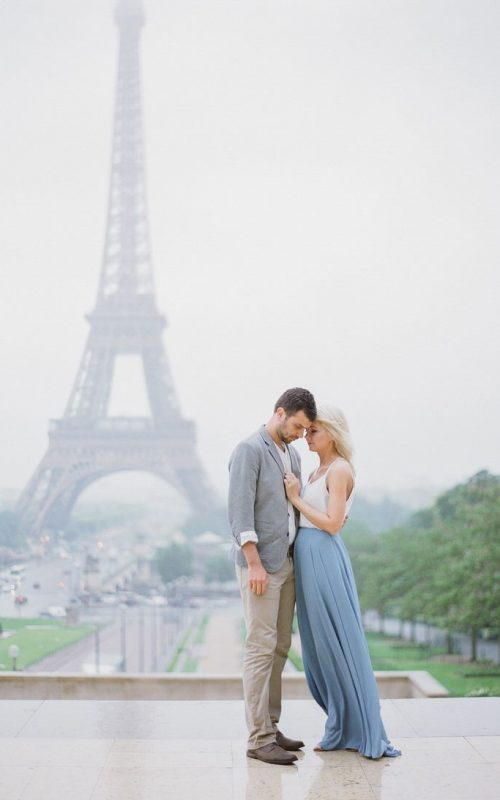 The Most Romantic Anniversary Photo Shoot In Rainy Paris