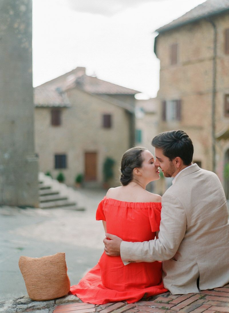 Tie The Knot In Tuscany
