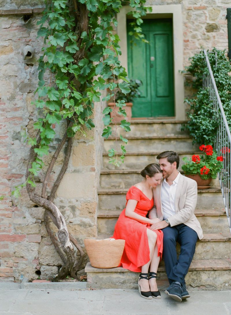 Engagement photos in Tuscany