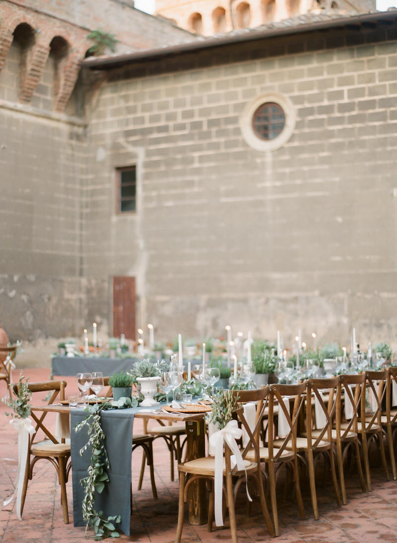 Outdoor organic reception in Tuscany