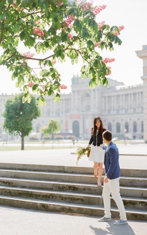 A ROMANTIC MORNING STROLL IN VIENNA
