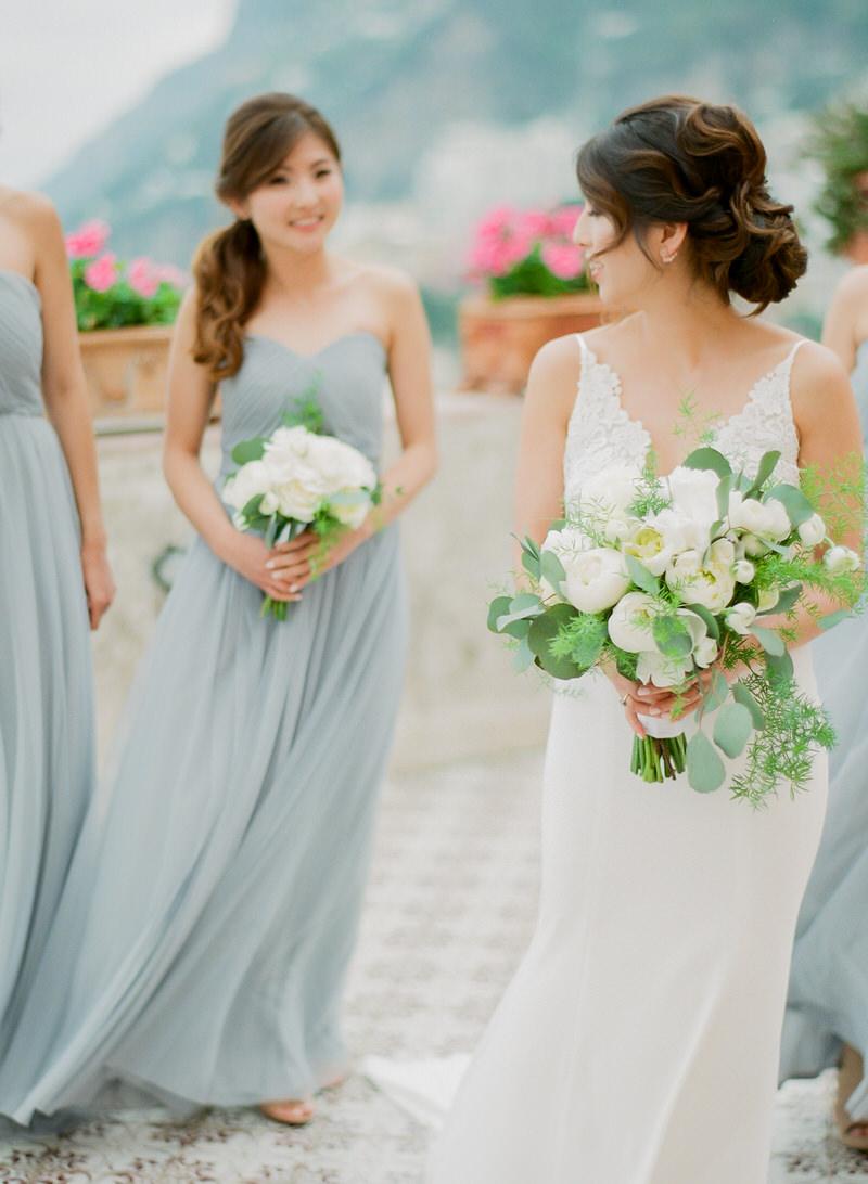 Bride with bridesmaids in Positano