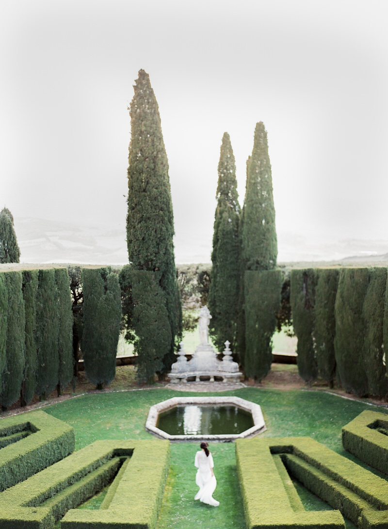 Incredible Garden in Tuscany for ceremony