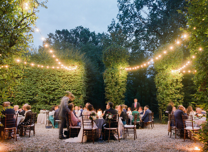 Outdoor reception at villa Arconati