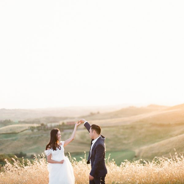Pre-wedding Shoot in golden Tuscan Fields